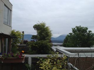 """Photo 4: 311 1978 VINE Street in Vancouver: Kitsilano Condo for sale in """"THE CAPERS BUILDING"""" (Vancouver West)  : MLS®# V954905"""