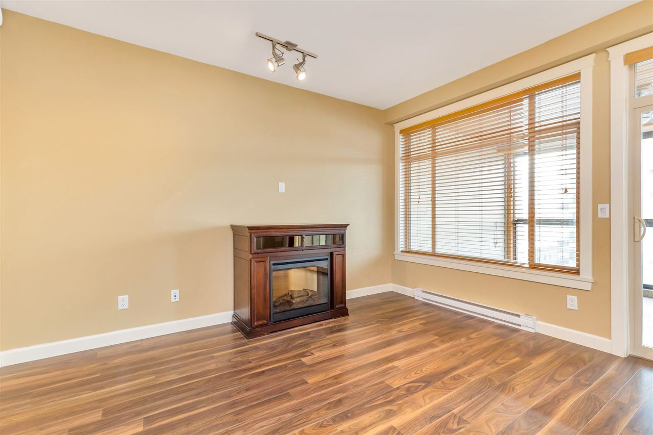"Photo 14: Photos: 524 2860 TRETHEWEY Street in Abbotsford: Central Abbotsford Condo for sale in ""La Galleria"" : MLS®# R2525522"