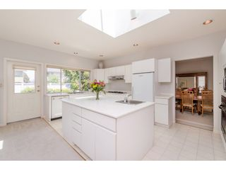 """Photo 10: 765 FOSTER Avenue in Coquitlam: Coquitlam West House for sale in """"CENTRAL COQUITLAM - Vancouver Golf Course"""" : MLS®# R2376273"""