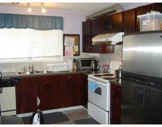 Photo 5: 95 ERIN WOODS Boulevard SE in CALGARY: Erinwoods Residential Detached Single Family for sale (Calgary)  : MLS®# C3303361