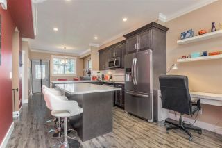 """Photo 5: 10 5957 152 Street in Surrey: Sullivan Station Townhouse for sale in """"PANORAMA STATION"""" : MLS®# R2423282"""