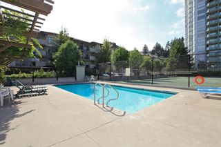 "Photo 18: 905 10082 148 Street in Surrey: Guildford Condo for sale in ""Stanley"" (North Surrey)  : MLS®# R2380833"