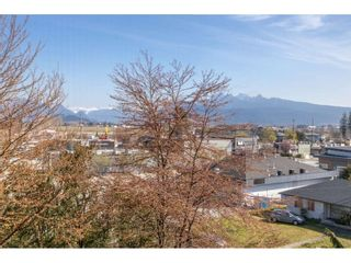 "Photo 14: 410 12464 191B Street in Pitt Meadows: Mid Meadows Condo for sale in ""LASEUR MANOR"" : MLS®# R2449917"