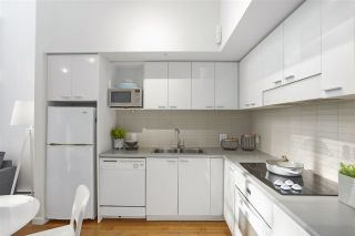"""Photo 12: 112 DUNSMUIR Street in Vancouver: Downtown VW Townhouse for sale in """"Spectrum 4"""" (Vancouver West)  : MLS®# R2437895"""