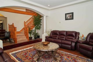 Photo 3: 7871 CUMBERLAND Street in Burnaby: East Burnaby House for sale (Burnaby East)  : MLS®# R2413062