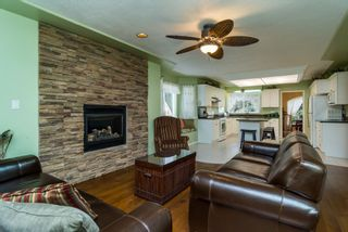 "Photo 6: 16901 FRIESIAN Drive in Surrey: Cloverdale BC House for sale in ""RICHARDSON RIDGE"" (Cloverdale)  : MLS®# R2025574"