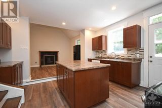 Photo 8: 99 CONCORD STREET N in Ottawa: House for sale : MLS®# 1266152