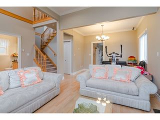 Photo 4: 380 STRATFORD Avenue in Burnaby: Capitol Hill BN 1/2 Duplex for sale (Burnaby North)  : MLS®# R2411548