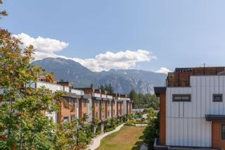"""Photo 35: 10 1200 EDGEWATER Drive in Squamish: Northyards Townhouse for sale in """"Edgewater"""" : MLS®# R2603917"""