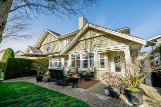 """Photo 1: 36 15450 ROSEMARY HEIGHTS Crescent in Surrey: Morgan Creek Townhouse for sale in """"CARRINGTON"""" (South Surrey White Rock)  : MLS®# R2435526"""