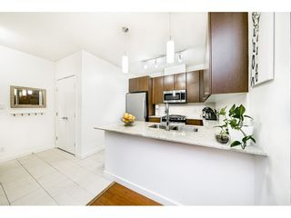 """Photo 3: 1707 280 ROSS Drive in New Westminster: Fraserview NW Condo for sale in """"THE CARLYLE"""" : MLS®# R2502203"""