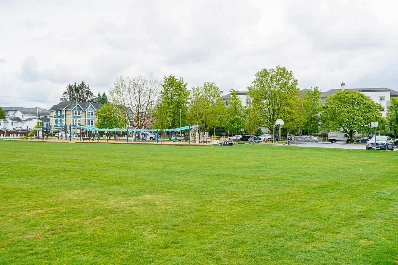 """Main Photo: 304 20088 55A Avenue in Langley: Langley City Condo for sale in """"PARKSIDE PLACE"""" : MLS®# R2572549"""