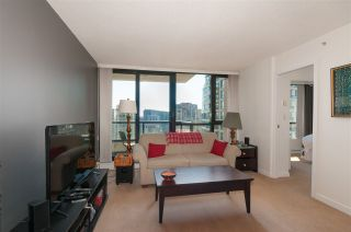 """Photo 6: 2208 928 HOMER Street in Vancouver: Yaletown Condo for sale in """"Yaletown Park"""" (Vancouver West)  : MLS®# R2373790"""