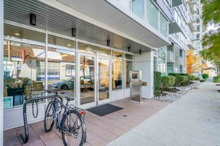 Photo 2: 904 1887 CROWE Street in Vancouver: False Creek Condo for sale (Vancouver West)  : MLS®# R2417358