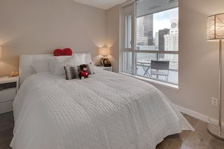 """Photo 13: 1202 833 SEYMOUR Street in Vancouver: Downtown VW Condo for sale in """"CAPITOL RESIDENCES"""" (Vancouver West)  : MLS®# R2066603"""