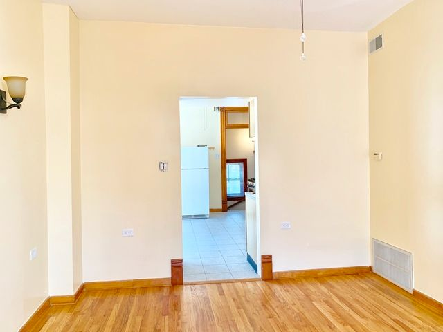 Photo 4: Photos: 1340 Claremont Avenue in Chicago: CHI - West Town Rentals for rent ()  : MLS®# 10534602