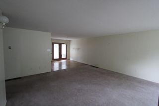 Photo 2: 2820 Caen Road in Sorrento: House for sale : MLS®# 10088757