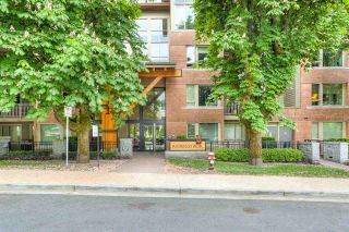 """Photo 18: 401 119 W 22ND Street in North Vancouver: Central Lonsdale Condo for sale in """"Anderson Walk"""" : MLS®# R2436594"""