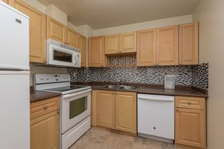 Photo 10: 521 WILLOW Court in Edmonton: Zone 20 Townhouse for sale : MLS®# E4245583