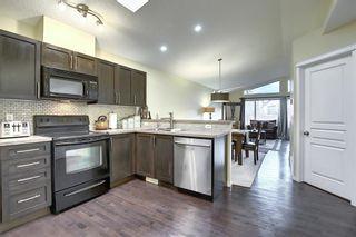 Photo 5: 1693 NEW BRIGHTON Drive SE in Calgary: New Brighton Detached for sale : MLS®# A1044917
