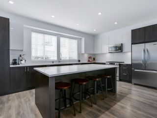 """Photo 1: 15 253 171 Street in Surrey: Pacific Douglas Townhouse for sale in """"Dawson Sawyer - On the Course"""" (South Surrey White Rock)  : MLS®# R2080159"""