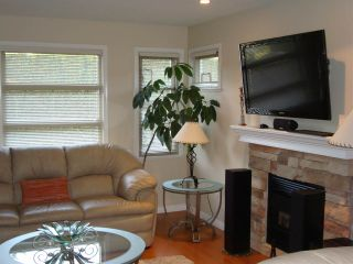 Photo 3: 7562 16TH Avenue in Burnaby: Edmonds BE 1/2 Duplex for sale (Burnaby East)  : MLS®# R2022922