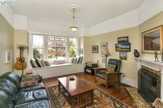 Photo 2: 1127 Chapman St in VICTORIA: Vi Fairfield West House for sale (Victoria)  : MLS®# 728825