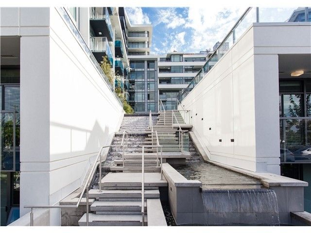 Main Photo: 904 1777 West 7th Ave in Kits 360: Home for sale : MLS®# V1044903