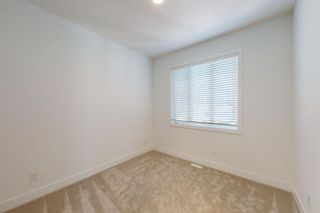 Photo 26: 2422 53 Avenue SW in Calgary: North Glenmore Park Detached for sale : MLS®# A1142924