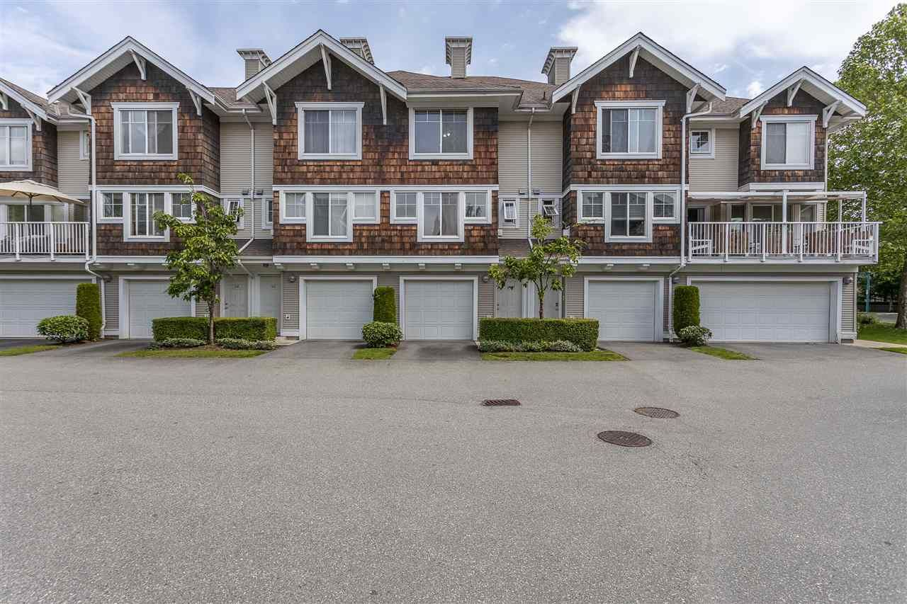 """Main Photo: 44 20760 DUNCAN Way in Langley: Langley City Townhouse for sale in """"Wyndham Lane II"""" : MLS®# R2461053"""