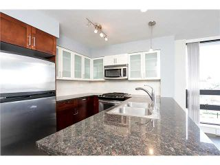 """Photo 3: 1001 1 RENAISSANCE Square in New Westminster: Quay Condo for sale in """"THE Q AT THE NEW WESTMINSTER QUAY"""" : MLS®# V1061175"""