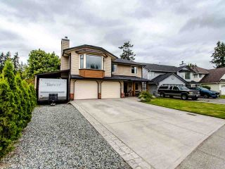 Photo 1: 5065 209 Street in Langley: Langley City House for sale : MLS®# R2483162