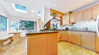 """Photo 12: 3806 GARDEN GROVE Drive in Burnaby: Greentree Village House for sale in """"Greentree Village"""" (Burnaby South)  : MLS®# R2582990"""