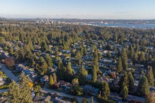 Photo 34: 965 BEAUMONT Drive in North Vancouver: Edgemont House for sale : MLS®# R2624946
