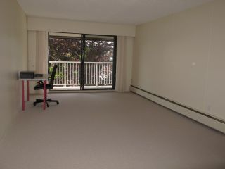 """Photo 3: 409 331 KNOX Street in New Westminster: Sapperton Condo for sale in """"WESTMOUNT ARMS"""" : MLS®# R2169687"""