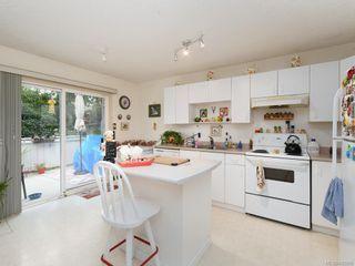 Photo 5: 728 Stancombe Pl in Esquimalt: Es Gorge Vale House for sale : MLS®# 842068