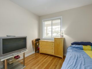 Photo 5: 5452 MANOR Street in Burnaby: Central BN 1/2 Duplex for sale (Burnaby North)  : MLS®# R2358736