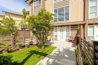 """Photo 2: 14 15405 31 Avenue in Surrey: Grandview Surrey Townhouse for sale in """"Nuvo 2"""" (South Surrey White Rock)  : MLS®# R2061099"""