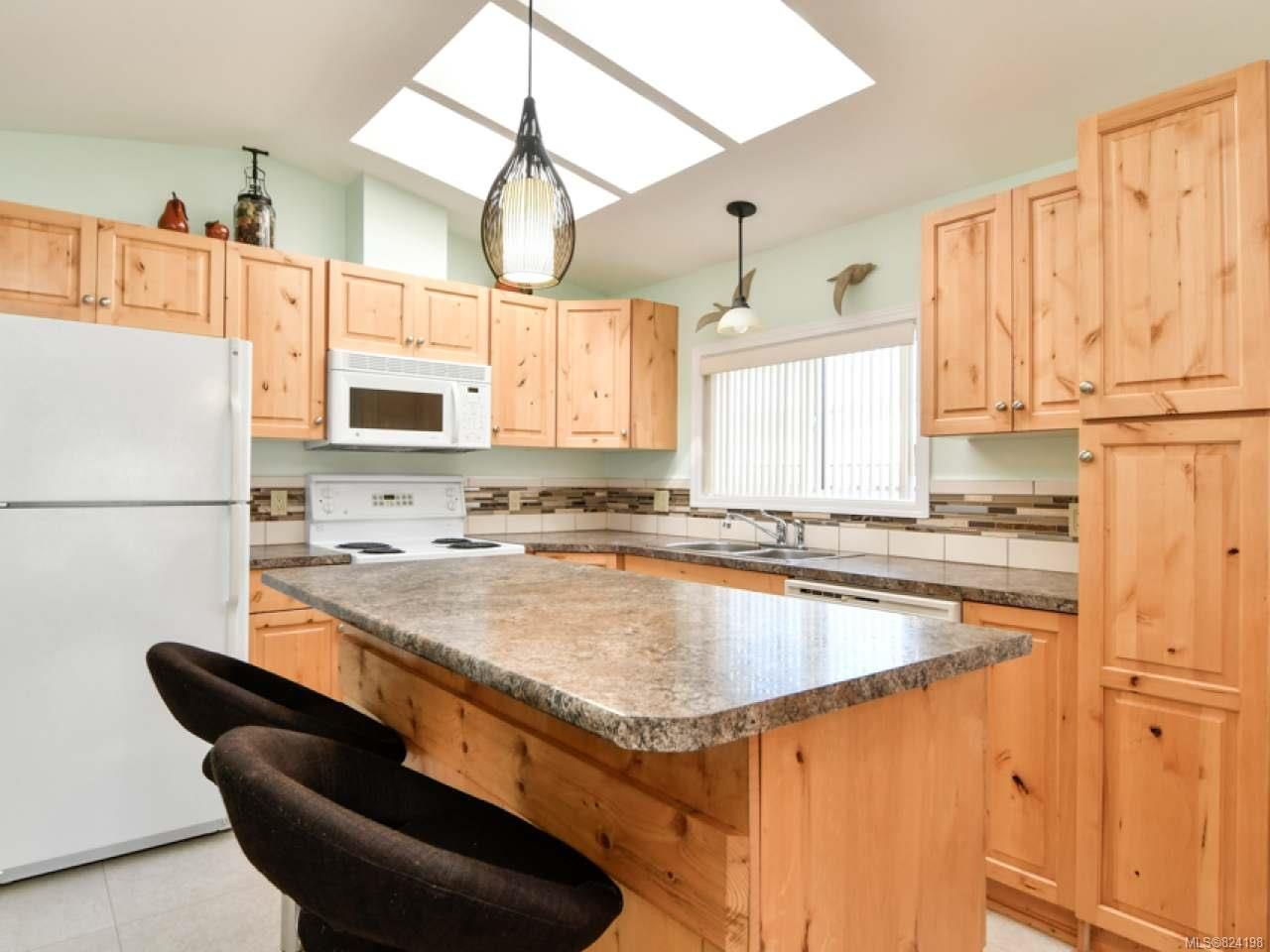 Photo 2: Photos: 38 951 Homewood Rd in CAMPBELL RIVER: CR Campbell River Central Manufactured Home for sale (Campbell River)  : MLS®# 824198