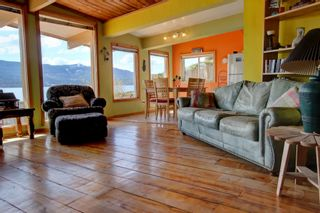 Photo 17: 7748 Squilax Anglemont Road: Anglemont House for sale (North Shuswap)  : MLS®# 10229749
