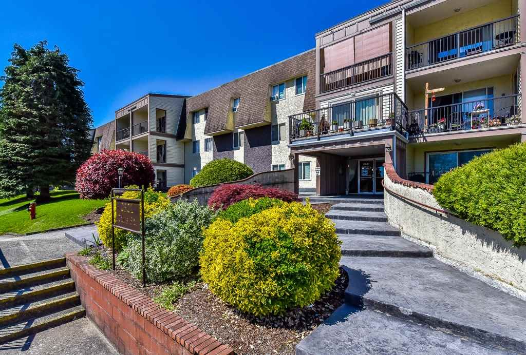 """Main Photo: 349 2821 TIMS Street in Abbotsford: Abbotsford West Condo for sale in """"Parkview Place"""" : MLS®# R2169697"""