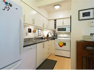 """Photo 9: # 6 877 W 7TH AV in Vancouver: Fairview VW Townhouse for sale in """"EMERALD COURT"""" (Vancouver West)  : MLS®# V1028020"""
