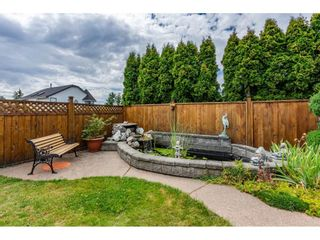 """Photo 19: 6495 180 Street in Surrey: Cloverdale BC House for sale in """"Orchard Ridge"""" (Cloverdale)  : MLS®# R2396953"""