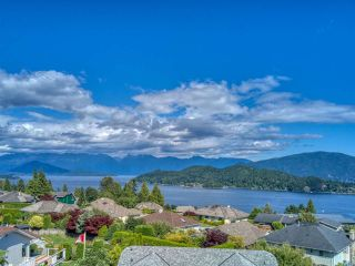 "Photo 2: 503 EAGLECREST Drive in Gibsons: Gibsons & Area House for sale in ""Oceanount Estates"" (Sunshine Coast)  : MLS®# R2493447"