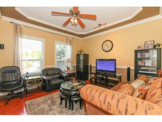 """Photo 6: 14861 74TH Avenue in Surrey: East Newton House for sale in """"CHIMNEY HEIGHTS"""" : MLS®# F1438528"""