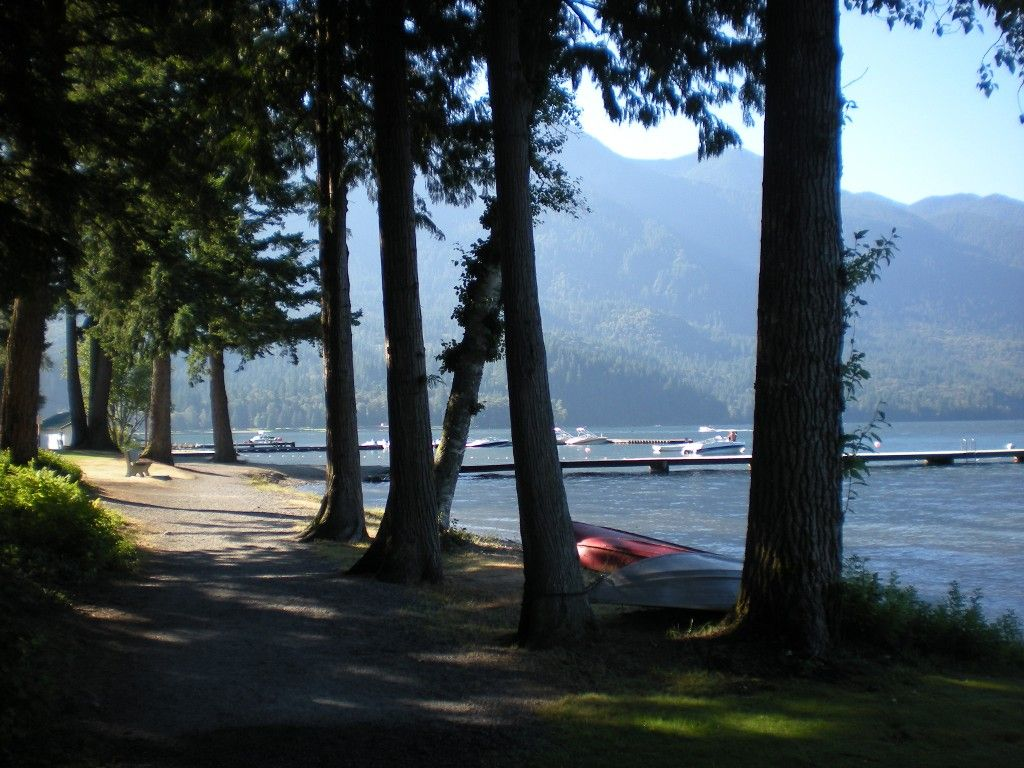 Photo 2: Photos: 186 1 Avenue: Cultus Lake House for sale : MLS®# H1303090