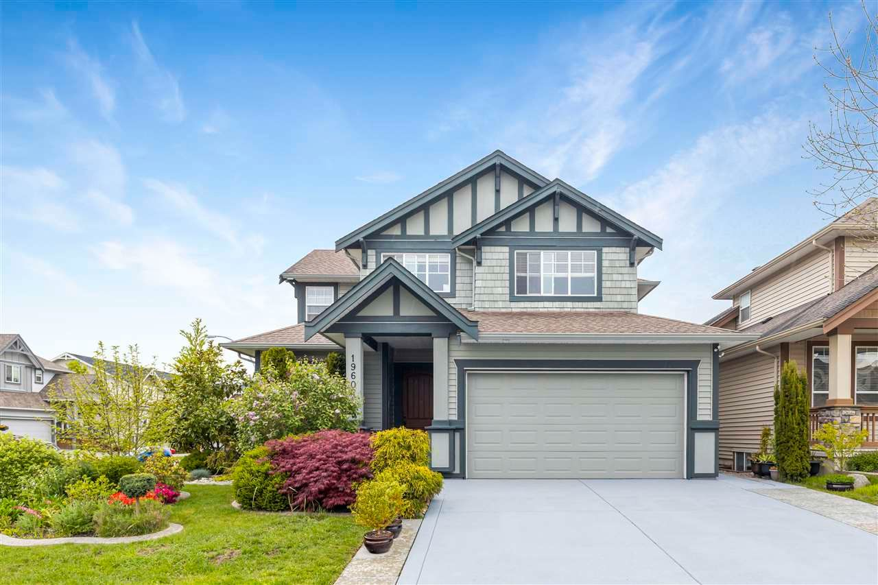 Main Photo: 19607 73A Avenue in Langley: Willoughby Heights House for sale : MLS®# R2575520