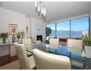 Photo 2: # 4203 1111 ALBERNI ST in Vancouver: Condo for sale : MLS®# V836772