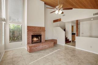 Photo 3: CARLSBAD EAST Twin-home for sale : 3 bedrooms : 6728 Cantil St in Carlsbad