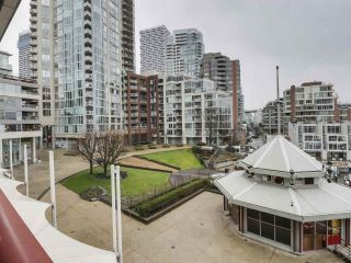 """Photo 4: 302 1008 BEACH Avenue in Vancouver: Yaletown Condo for sale in """"1000 BEACH"""" (Vancouver West)  : MLS®# R2527239"""